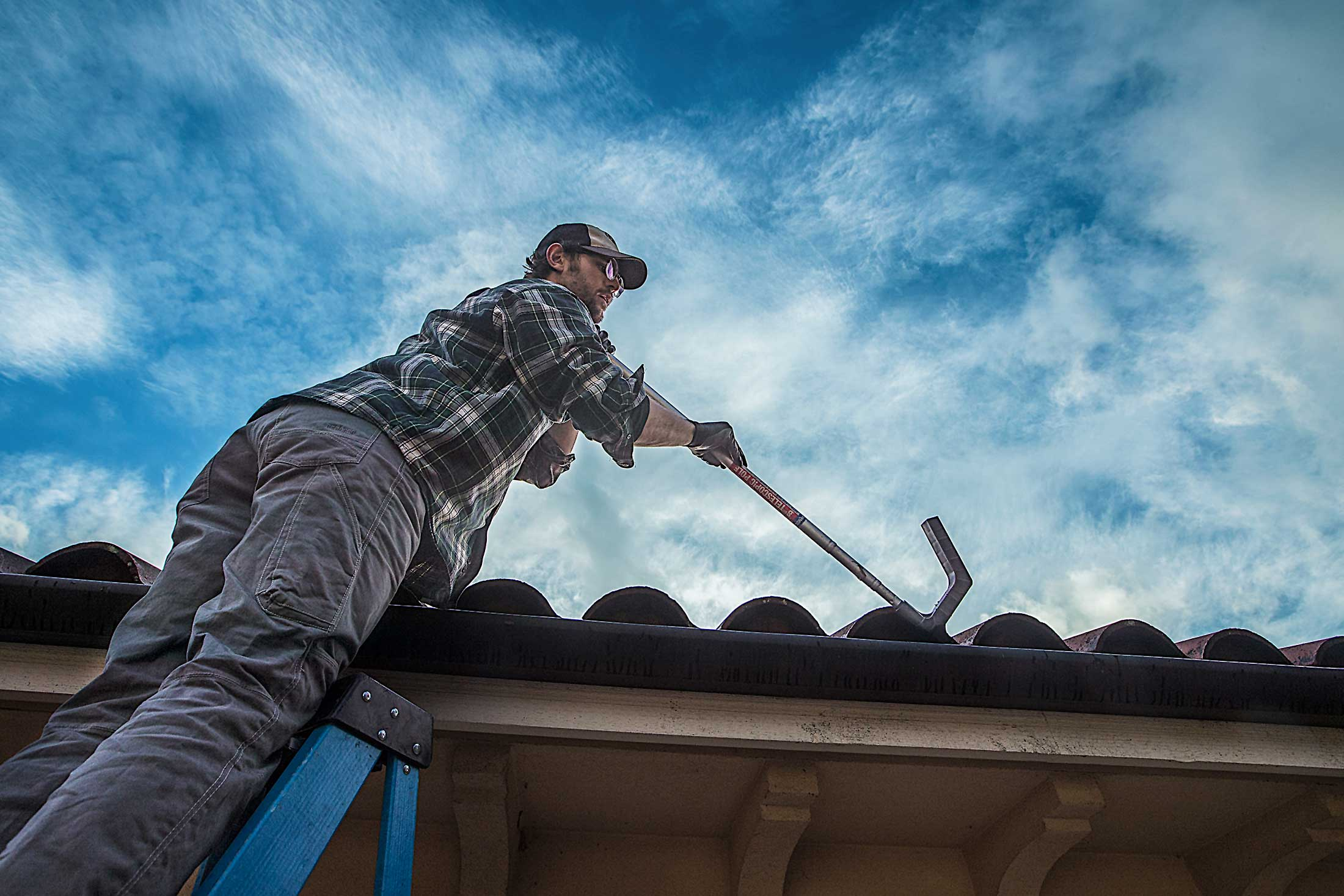 Roof and Gutter Cleaning in Seattle | Renova Exterior Detailing