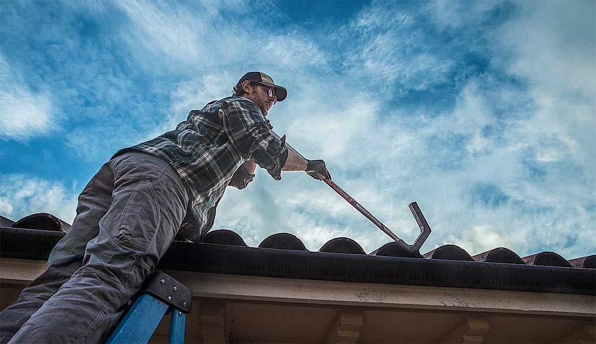 gutter cleaning in seattle